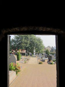 afferden-kerkhof-04